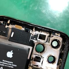 iPhone11Pro カメラ外した内部