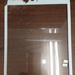 iPad7割れたフロントガラス