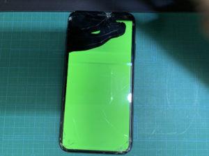 iPhoneX 画面割れ 修理前写真