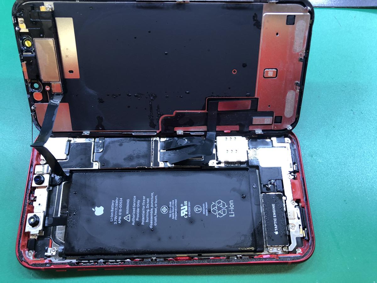 iPhoneXR水没画像