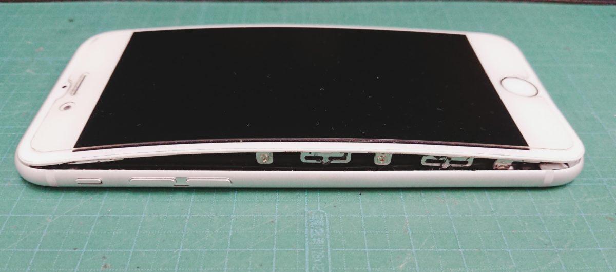 iPhone6Sバッテリー膨張交換前