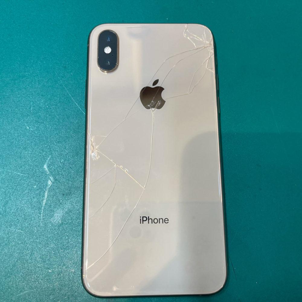 iPhoneXS 后盖玻璃维修